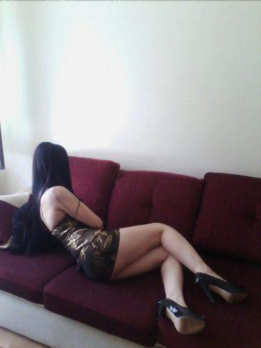Güzel sakso çeken kadın Huriye