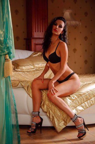 VİP otelde buluşan kız Pirilti
